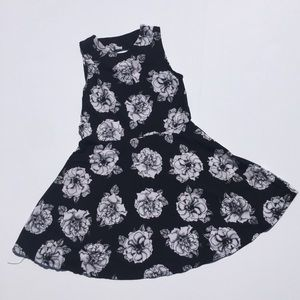 Flowers by Zoe Other - Nwot. Flowers By Zoe beautiful flower dress