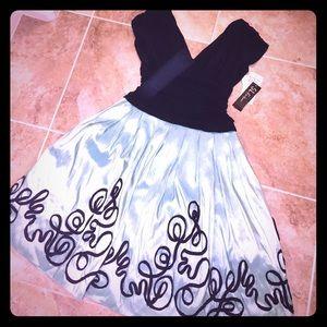 SL Fashions Dresses & Skirts - Super fun & flirty dress