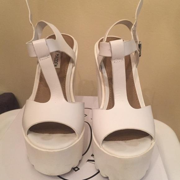 e1011db8057 Steve Madden chunky heel shoes. M 58f81ac5ea3f36a6bf00489c