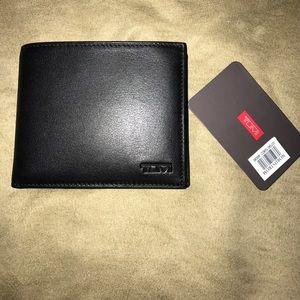 Tumi Other - Tumi Delta ID Lock Shielded Slim Single Billfold