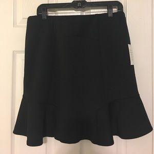 Eloquii Dresses & Skirts - Eloquii Black mini Scuba Skirt