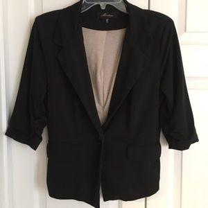 Jackets & Blazers - Medium Black Cropped 3/4 Sleeve Blazer