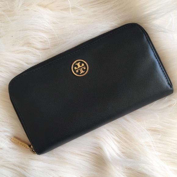 6fe38823d76 Tory Burch Robinson Zip Continental Wallet Black. M_58f834152599fed7cd003ae2
