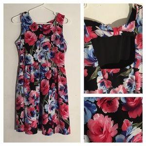 Lily Rose Dresses & Skirts - Lily Rose Floral Bow Open Back Skater Dress