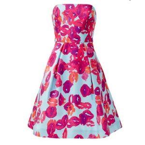 Monique Lhuillier Dresses & Skirts - Monique Lhuillier Pucker Up Dress Size 12