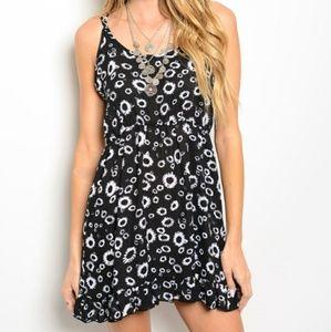 Dresses & Skirts - 💖 *SALE* NWOT Floral Dress