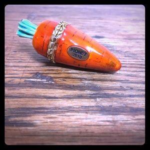 Monet Accessories - 🥕🥕Monet Carrot Trinket Box (2010)