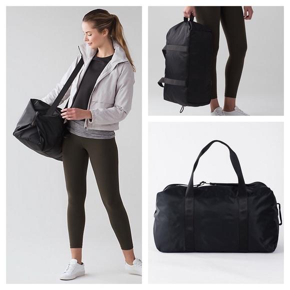2165d2f5977f lululemon athletica Handbags - Lululemon  NWOT  Fast Track weekender bag