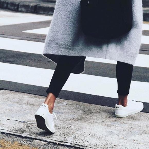 e711aeb194 Veja Esplar Leather White Size 37