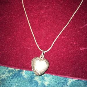 Jewelry - Vintage silver heart locket