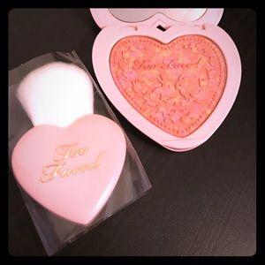 Too Faced Other - 💕Too Faced Love Flush Blush & Mini Brush Set