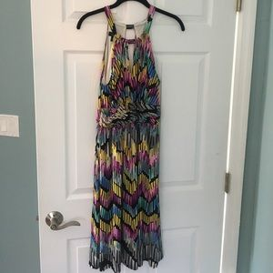suzi chin Dresses & Skirts - Beautiful flowy print dress sz 8