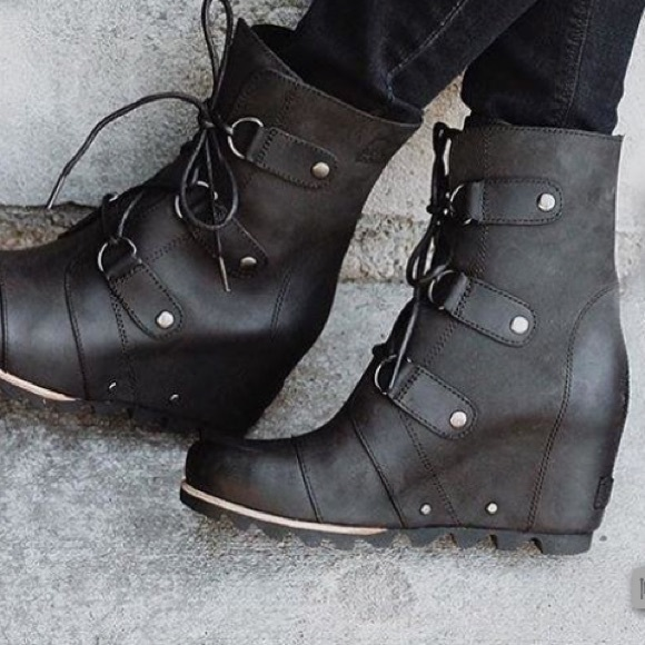 878946434a2e WOMEN S JOAN OF ARCTIC™ WEDGE MID BOOT 8. M 58f8dfe73c6f9f03af00a2c4