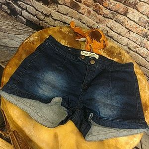 Pants - ‼️CLEARANCE‼️NWOT Denim Jean Shorts 9