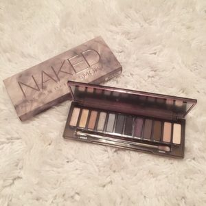 Urban Decay Other - Urban Decay Naked Smokey Eyeshadow Palette