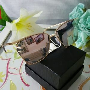 Accessories - NEW TRENDY CAT EYE MIRROR VINTAGE  SUNGLASSES