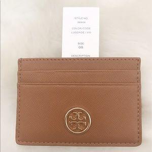 Tory Burch Handbags - NWT Tory Burch Robinson Wallet