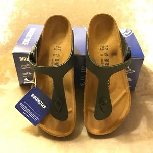 Birkenstock Shoes - Original and New Birkenstock Gizeh Sandals Size 7