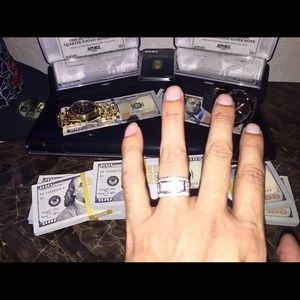 Kay Jewelers Other - 1 carat white gold diamond ring