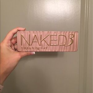 Urban Decay Other - NAKED 3 PALETTE. 15% OFF 2+ ITEMS