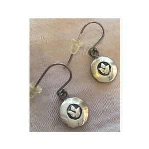 Jewelry - ✨NWOT✨ silver earrings with small flower
