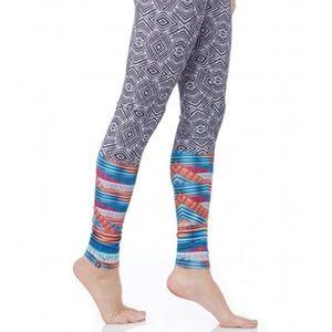 Onzie Pants - ONZIE Tribal Print Leggings