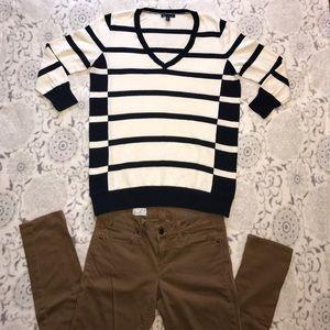 GAP Sweaters - GAP Women's Cream & Blue Striped V-neck Sweater!❤️