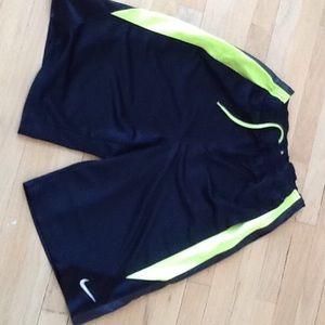 Nike Shorts Kids Xl