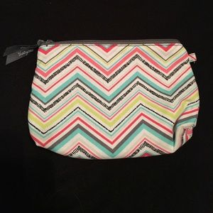Thirty One Handbags - Thirty One makeup bag