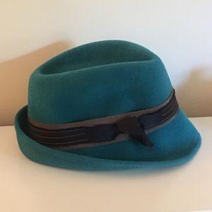NWOT beautiful  Lola fedora hat