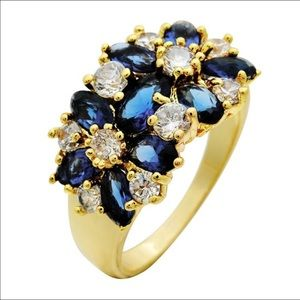 Jewelry - 5.6 Ct Sapphire Cocktail ring.
