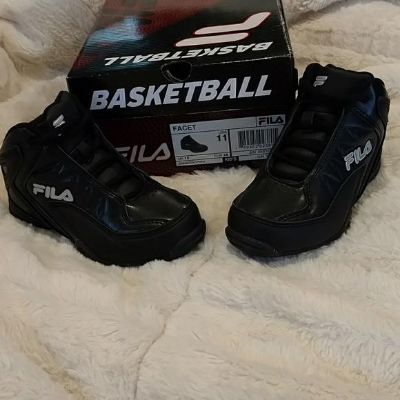 b4fa7f842ba8 NWT Kids Fila Black Basketball Shoes DONATE SOON