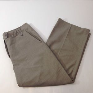 Larry Levine Pants - EUC Larry Levine Stretch Career Capri Sz 6