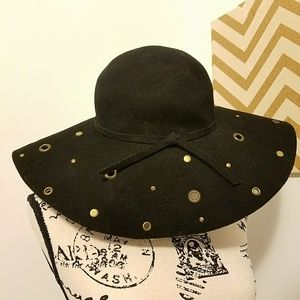 Accessories - Wide Brim Eyelet Hat