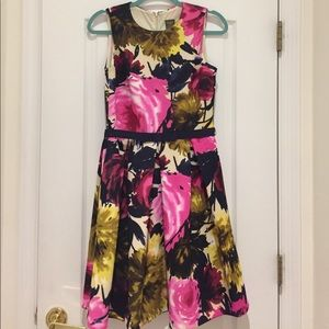 Taylor Dresses Dresses & Skirts - Taylor Floral Fit-n-Flare Dress