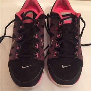 Nike Shoes - Nike fitsole sneakers