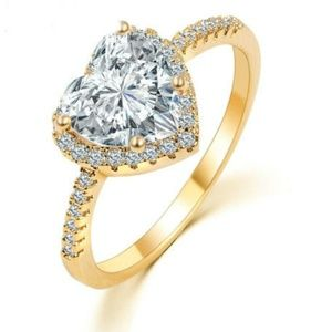 Jewelry - New YGP CZ Heart Halo Ring Size 6