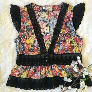 annabelle Tops - Floral lace top