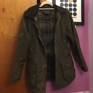 Barbour Jackets & Blazers - Barbour Classic Beadnell Sz 4
