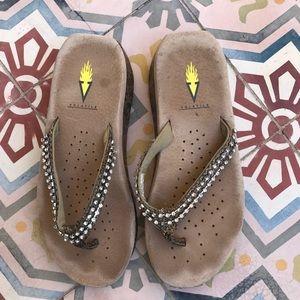 Volatile Shoes - VOLATILE BLING SANDALS FLIPS SHOES SIZE 8