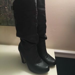 Gently worn Steve Madden slouch boots 👟