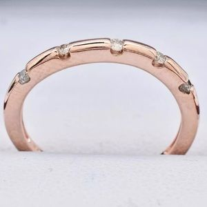 Other - Think about Mother's Day!!! Stunning 14k rose band