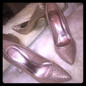 Shoes - Gorgeous champagne diamond party heels