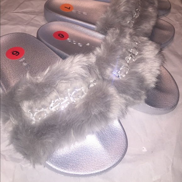 a43a7b5388a LAST 1 🔥NEW BeBe Furiosa Fur Slide Sandal Silver