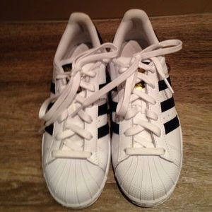 Adidas Shoes - Adidas superstar low top white sneakers 5us