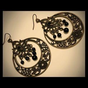 Jewelry - Silver Black Dangling Earrings