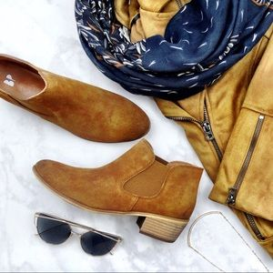 Chestnut Suede Chelsea Boots