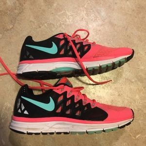 Nike Zoom athletic shoes size 9