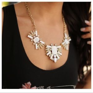White statement necklace set
