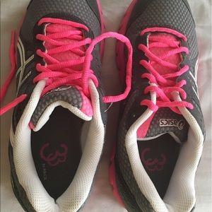 Asics Shoes - Brand new Asics 8.5